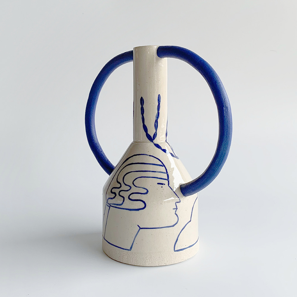 [SOPHIE ALDA] Extra Large Jug Eared Vase in Cream and Blue
